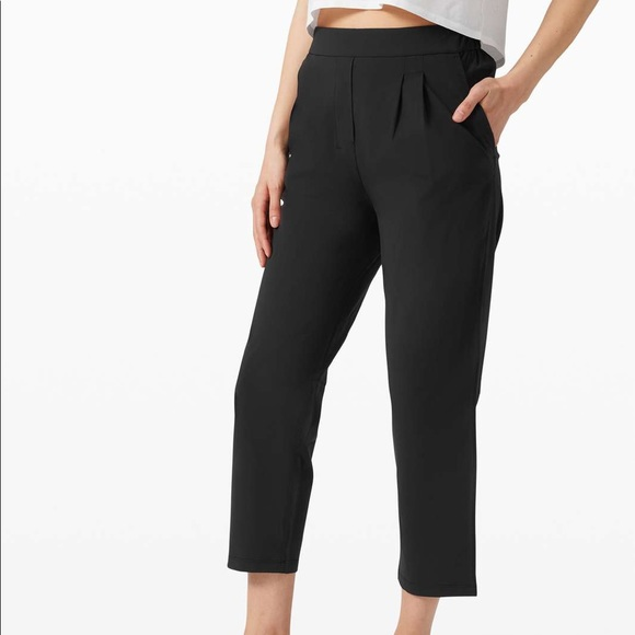 BNWT lululemon your true trouser crop